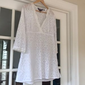 Vineyard Vines semi-sheer pineapple tunic coverup